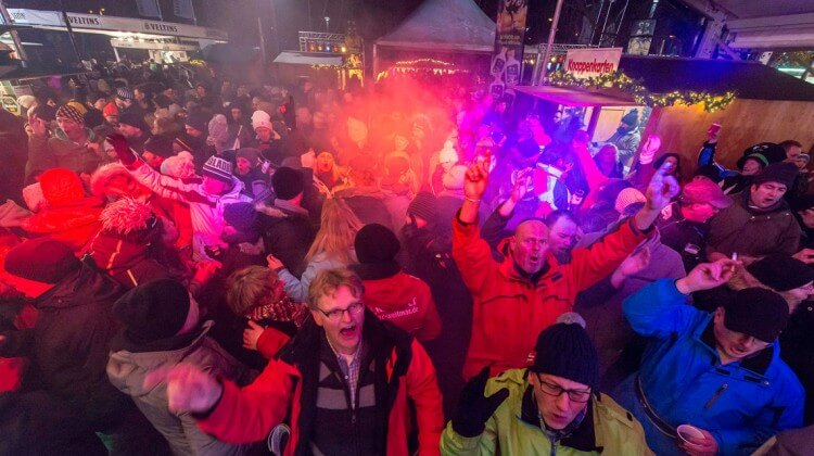 Apres Ski Party im Winterdorf
