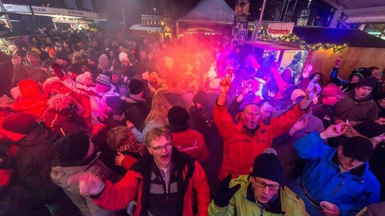 Apres Ski Party im Winterdorf